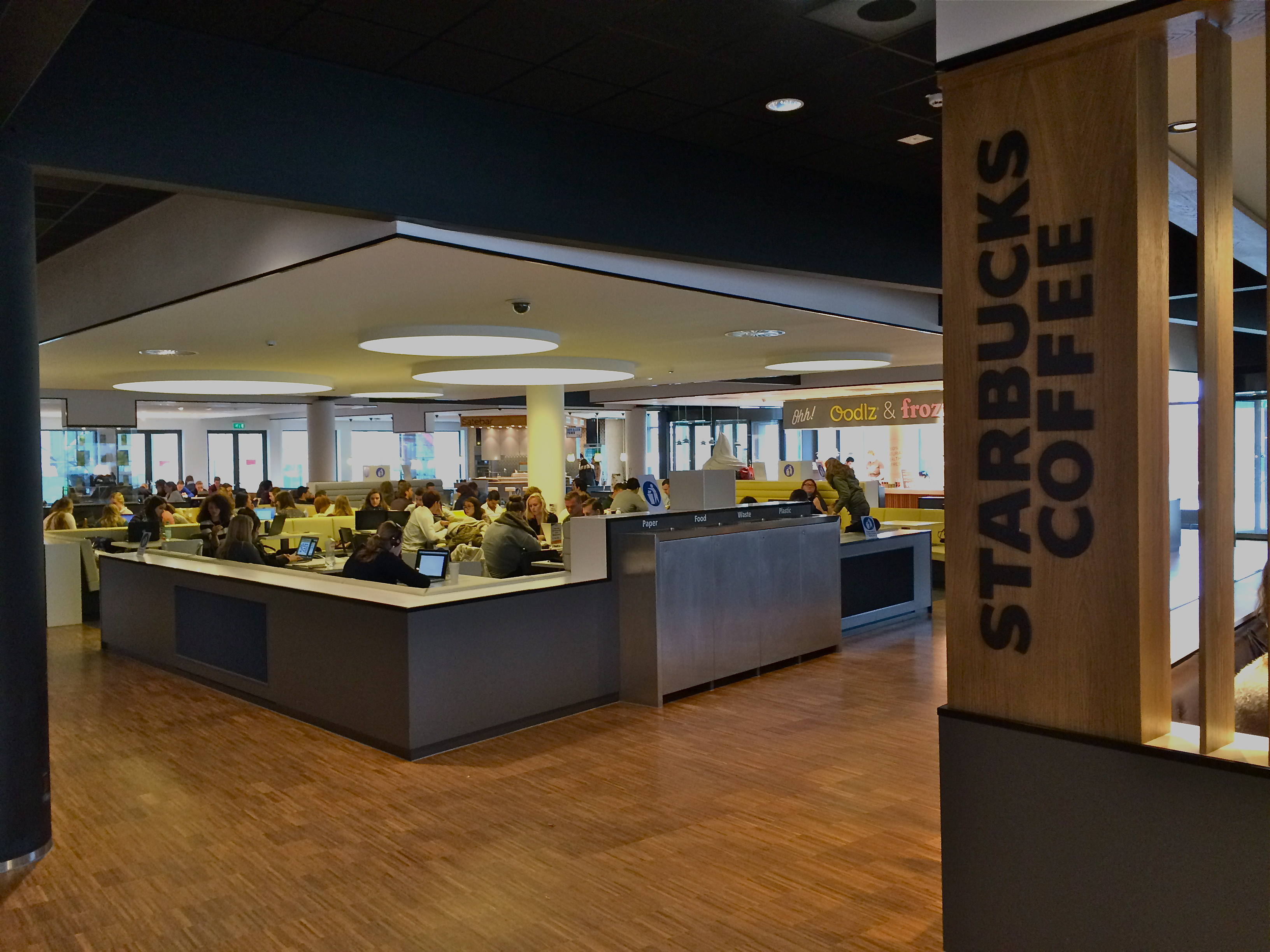 Foodcourt-Erasmus-Universiteit.jpg